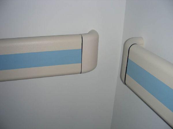 无障碍走廊扶手设备